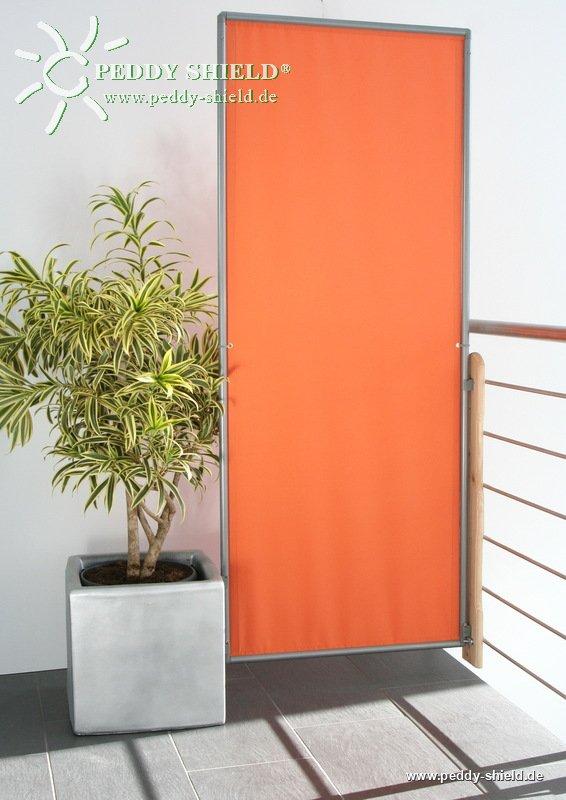 optimale standfestigkeit vom sichschutz paravent am balkongel nder mit wand clips an holzbrett. Black Bedroom Furniture Sets. Home Design Ideas